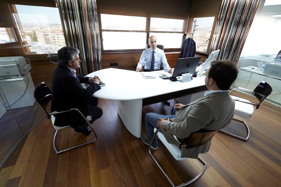 Mamparas de oficina en valencia oficines muebles de for Oficinas liberbank valencia