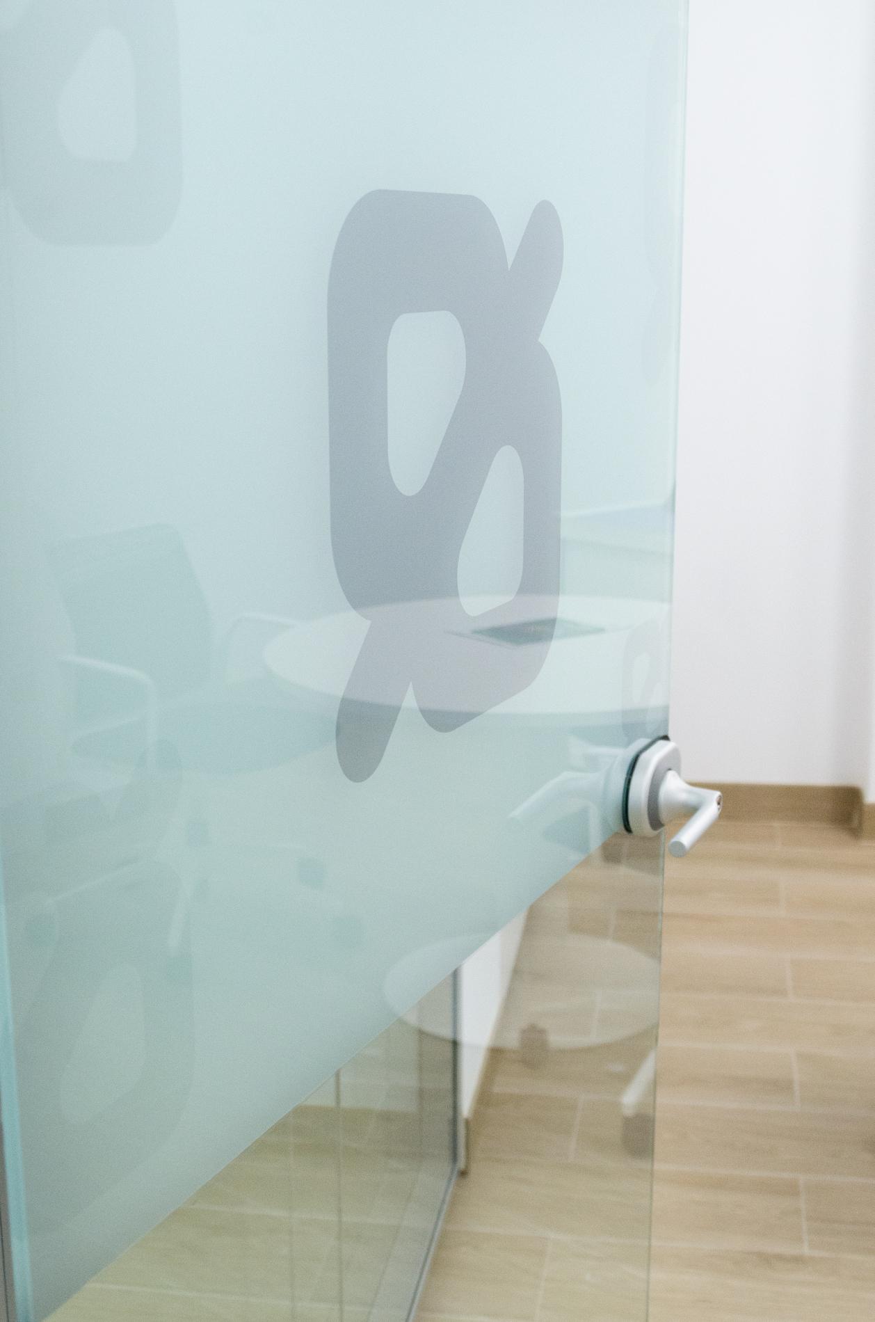Oficines caixa popular ld 6 oficines muebles de for Oficinas de caixa popular en valencia